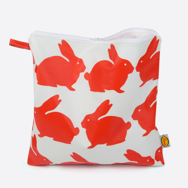 Anorak Kissing Rabbits Toiletry Bag
