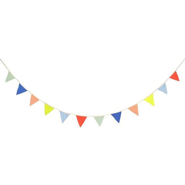 Multicolor Knitted Flag Garland_ME169489